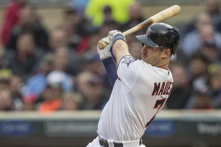 Twins place Mauer on 10-day DL with concussion-like symptoms
