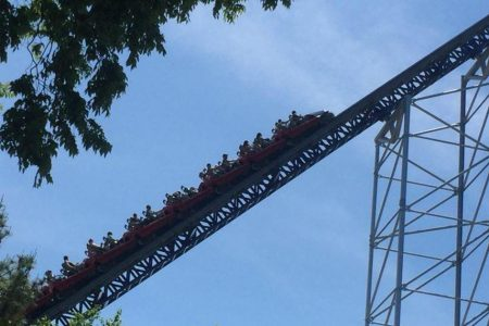 Power outage strands Ohio roller coaster riders for hours
