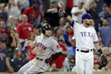 Kimbrel quickest to 300 saves as Red Sox rally 6-5 at Texas