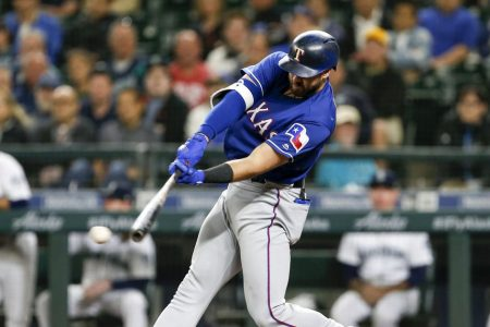 Heredia's RBI single in 11th lifts Mariners past Rangers 9-8