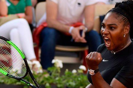 Serena Williams Advances to Meet Maria Sharapova in Fourth Round