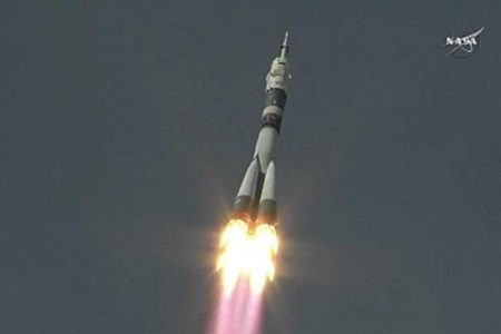 """After a """"friendly tap,"""" 3 astronauts blast off to international space station"""