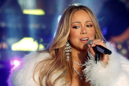 Sales for Mariah Carey's Vegas shows are 'a disaster'