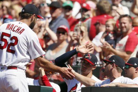 Wacha takes no-hit bid into 9th, Cardinals beat Pirates 5-0