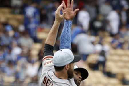 Hundey, Belt homer to lift Giants to 4-1 win over Dodgers
