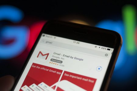 Gmail for iOS will now use AI to filter push notifications
