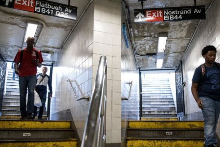 Subway Delays Hit Low-Income New Yorkers the Hardest, Report Says