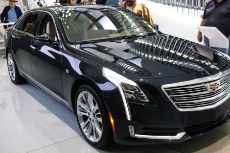GM bringing Super Cruise hands-free driving to all Cadillacs by 2020