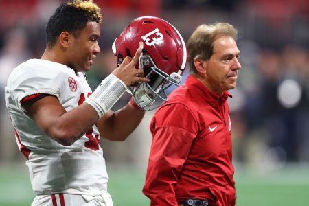 Nick Saban and Alabama players gets stranded on lake when boat runs out of gas