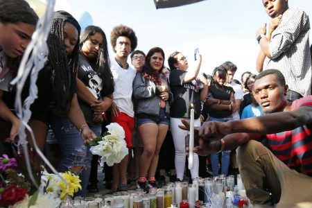 XXXTentacion shooting: Fans mourn rapper as detectives search for killers