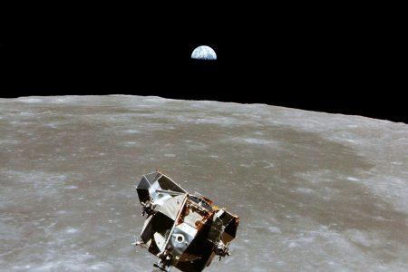 NASA aims to send robots to the moon