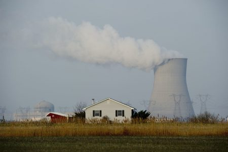 Trump orders Energy Secretary to halt shutdown of coal and nuclear plants