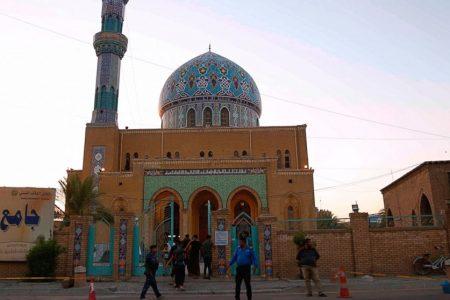 Gaza residents pray near Israel, as Muslims mark major feast