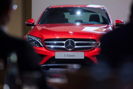 Auto Stocks Flop as Daimler Cuts Its Profit Expectations Because of the Brewing US-China Trade War
