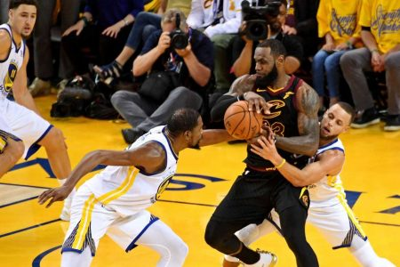 Every break goes to the Warriors in OT win over Cavs