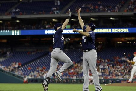 Brewers snap out of slump with 12-4 win over Phillies