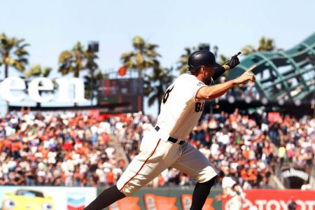 Padres fall in 11 innings as Pence hits walk-off double