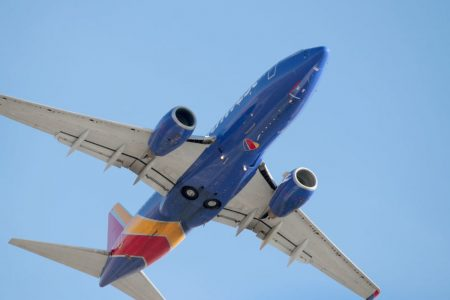 Fearful of allergies, Southwest will stop serving peanuts on board