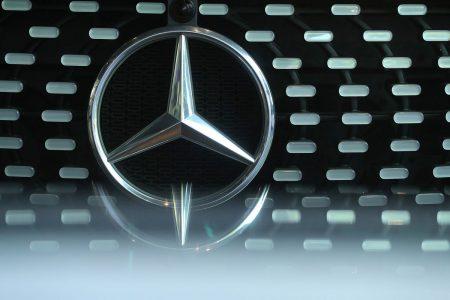 Daimler Warns Trade, EU Emission Tests to Weigh on Mercedes