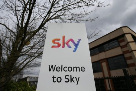 Comcast and Fox Engage in Bidding War for Control of Sky