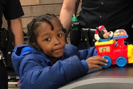 Mom of boy abandoned at Los Angeles train station in custody