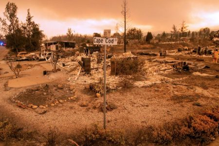 12 missing as deadly California wildfire continues to grow