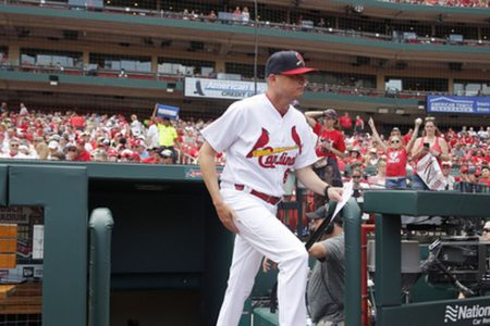 Cardinals win in interim manager Shildt's debut
