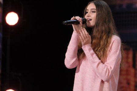 'AGT': Singer Makayla Phillips, 15, feels the love from Heidi Klum, gets the Golden Buzzer