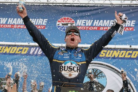 Kevin Harvick makes late surge at New Hampshire, becomes first NASCAR driver to six wins