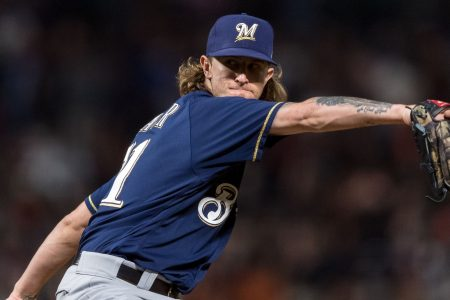 Josh Hader receives mild boos in first road appearance since offensive tweets resurfaced
