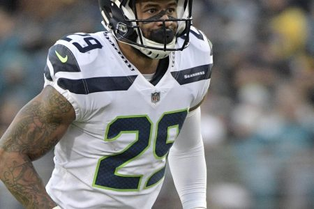 Earl Thomas' Contract Won't Be Addressed by Seahawks Despite Holdout