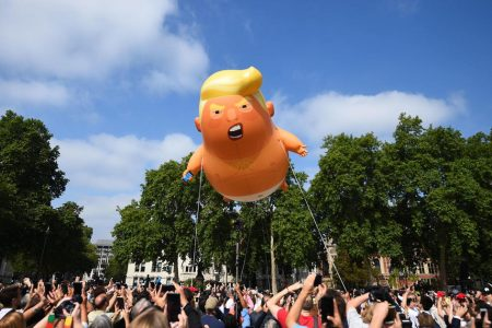 """Donald Trump in UK: Protests today in London as """"Trump baby"""" balloon takes flight 2018-07-13 – Live updates"""