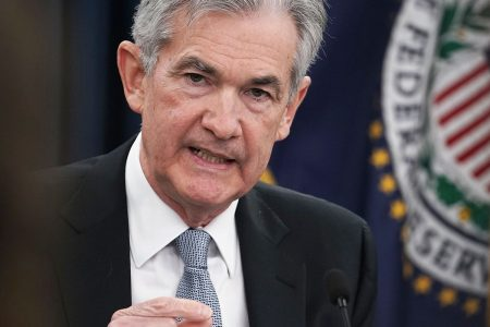 Powell sees 'further, gradual' rate hikes ahead as economy continues to hum