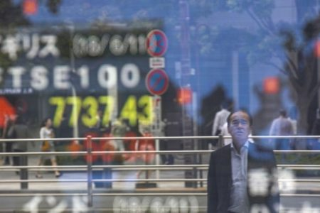 Major markets in Asia close mixed as US-China trade dispute affects sentiment