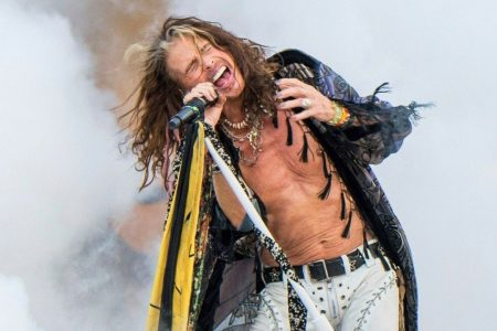 Aerosmith's Steven Tyler caught on live TV shoving selfie-seeking fan