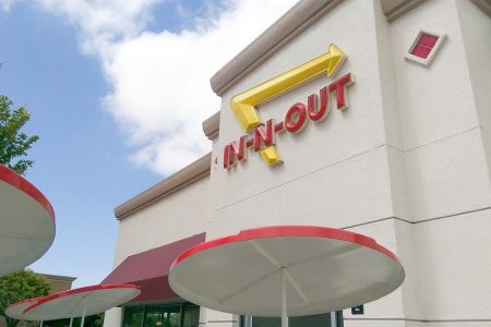 California Democrats call for In-N-Out boycott after burger chain donates $25G to GOP