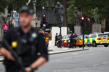London Driver Held in Terrorism Inquiry After Hitting Barrier Near Parliament