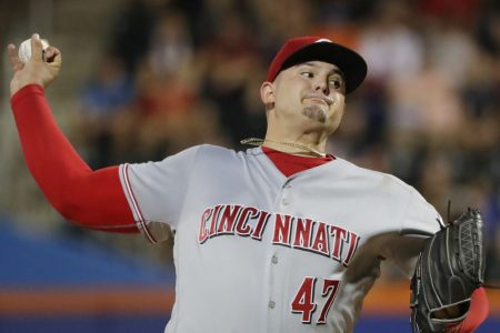 Romano wins in NY homecoming, Reds beat Mets 6-1
