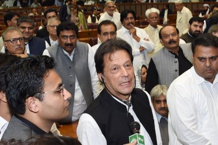 Imran Khan Takes Helm in Pakistan, a Nation Divided and in Debt