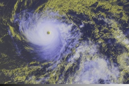 Hurricane Hector – one of 3 storms in Pacific – should slide south of Hawaii