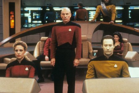 CBS revealed a Jean-Luc Picard TV series. Let's check in on Star Trek Twitter.