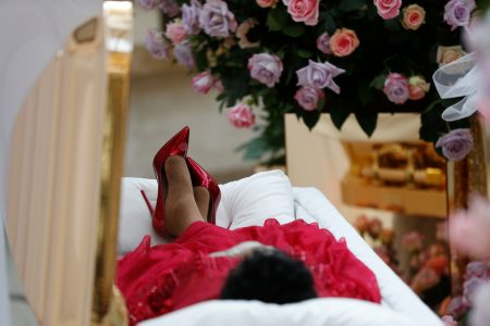 Dressed like a 'resplendent' queen, Aretha Franklin rests in gold casket