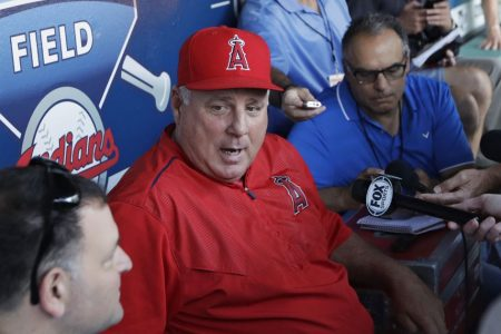 Angels manager Scioscia dismisses report he'll step down