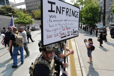 Right-wing, left-wing protesters face off in Seattle