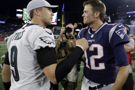Nick Foles hurt in Eagles-Patriots game but finally gets handshake from Tom Brady