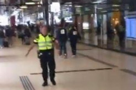 2 wounded, suspect shot in Amsterdam train station attack