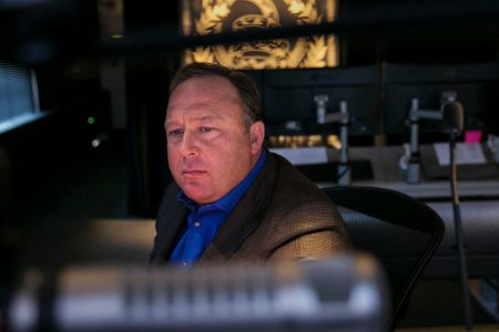 Apple, Facebook and YouTube Remove Content From Alex Jones and Infowars