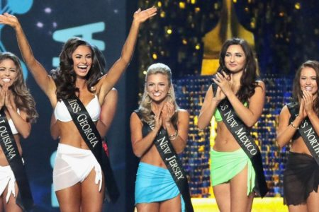 Former Miss America speaks out after reigning titleholder accuses Gretchen Carlson of bullying