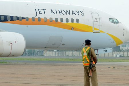 Pilots on Indian flight forget to switch on cabin pressure