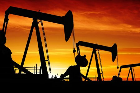 Oil prices fall amid surprise growth in US crude stocks
